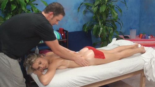 Natalia seduced and fucked by her massage therapist on hidden camera